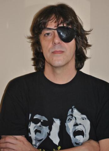 "Sergio Ortiz, Cantant i Músic - ""Smoking Stones"""