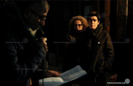 Silvia Garcia, amiga de Patricia Heras (#CiutatMorta), Ester Quintana, vícitma de la repressió del mossos el 14N2012, escoltant a Gerardo Ariza