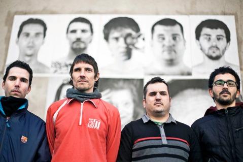 D'esquerra a dreta Oscar Alpuente, Carles Guillot, Jordi Sallent i Nicola Tanno, quatre de les vuit catalanes que han perdut un ull a causa de les bales de goma / Robert Bonet