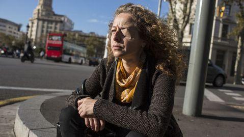 Ester Quintana un año después en el lugar de los hechos / EDU BAYER